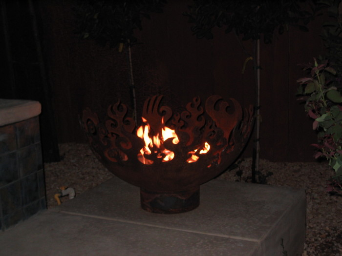 Great Bowl O' Fire 37 inch Sculptural Firebowl™ at night