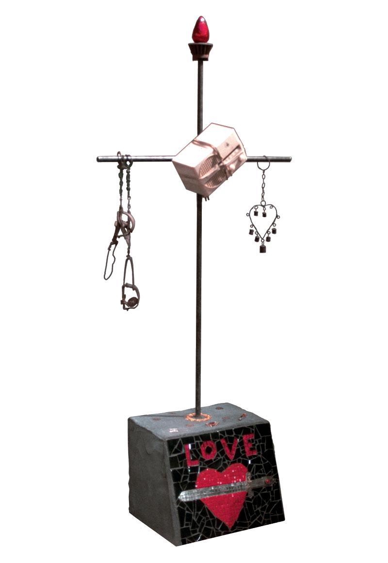 Radio Ancestrale Installation love gravestone