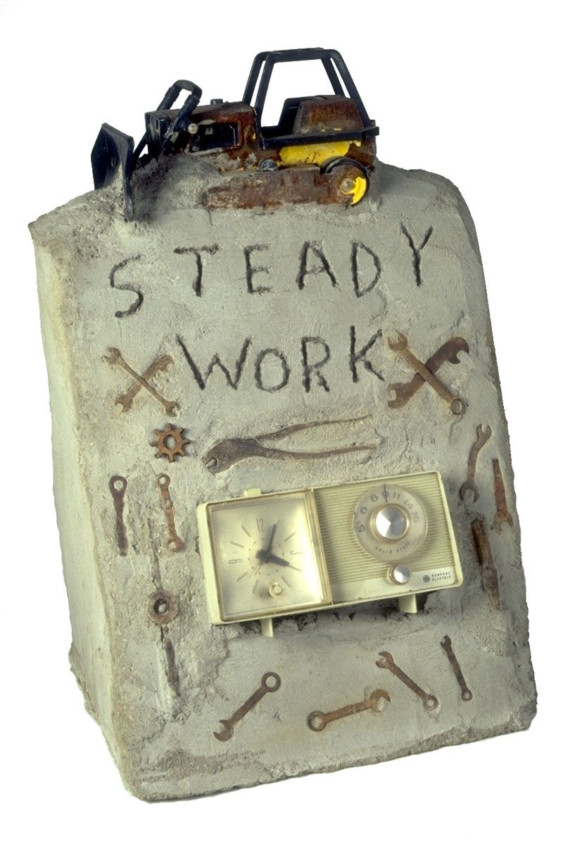 Radio Ancestrale Installation steady work gravestone