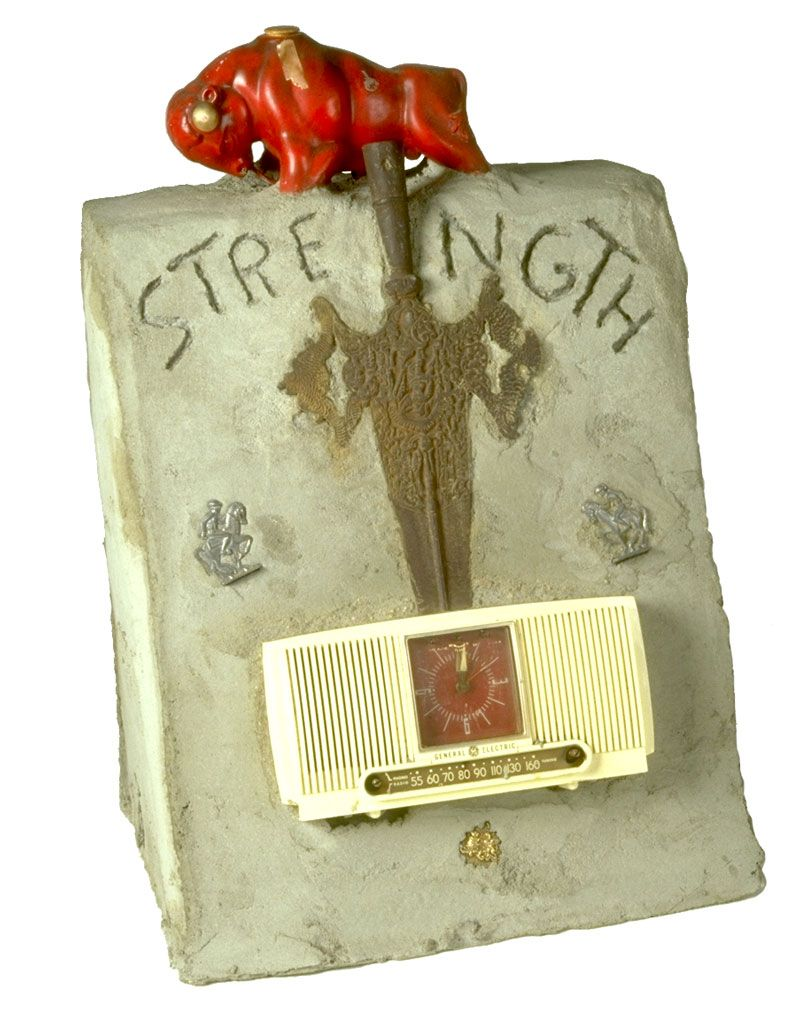 Radio Ancestrale Installation strength gravestone