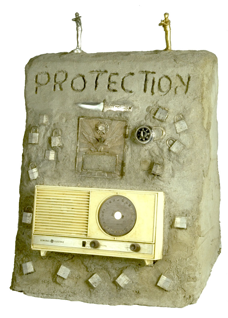 Radio Ancestrale Installation protection gravestone
