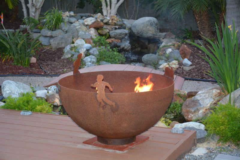 Custom Firebowl celebrates generations through a family portrait