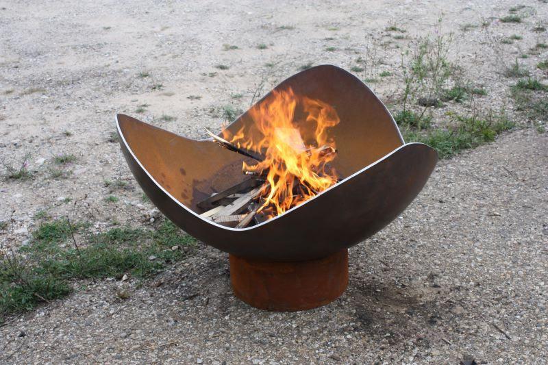 The Fire Sine, a Customized King Isosceles Sculptural Firebowl